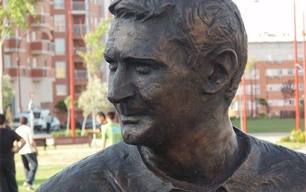 Monumento al futbolista desconocido