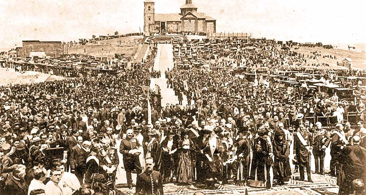 El [antiguo] monumento al Sagrado Corazón del Cerro cumple 99 años